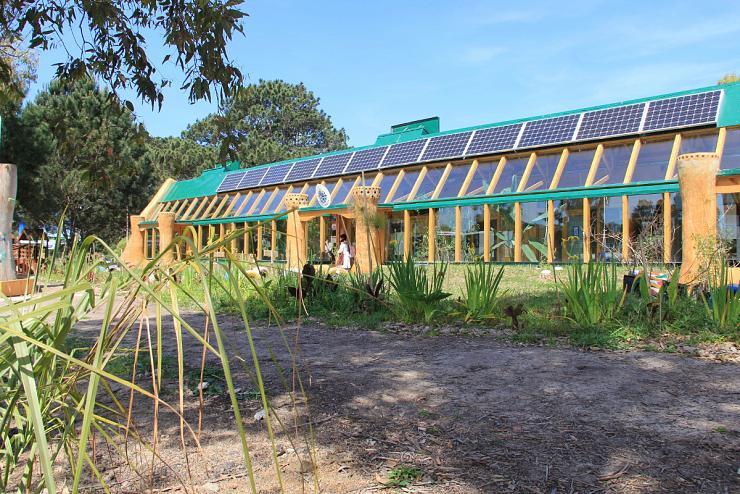 Uruguay   L'expérience d'une école recyclée 100% autonome en eau & énergie